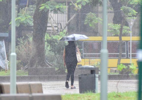 La tormenta hizo caer el servicio de energía en Posadas y Garupá
