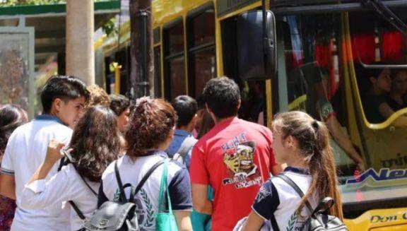 Herrera Ahuad anunció que el Boleto Estudiantil Gratuito se renovará automáticamente este año