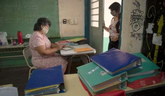 Herrera Ahuad anunció la incorporación de 300 porteros para el inicio del ciclo lectivo