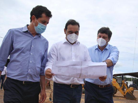 De Pedro recorrió el parque industrial de Ituzaingó y la planta de biomasa en Virasoro