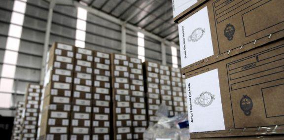 """Cámara Electoral pidió incluir como """"grupo prioritario"""" a su personal para vacuna contra Covid-19"""