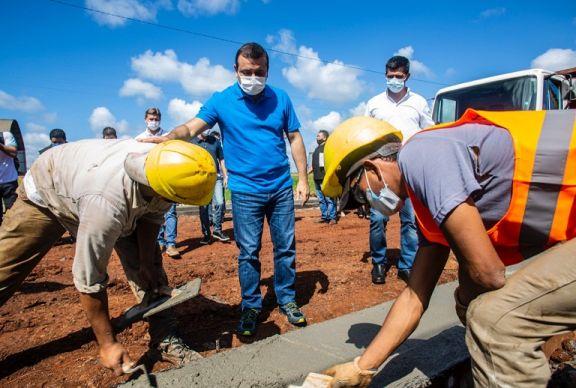 Herrera Ahuad supervisó el inicio de las primeras obras de urbanización en Pozo Azul