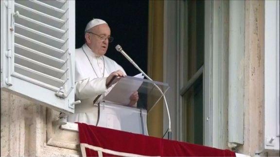Francisco volvió a hablar ante una plaza San Pedro con fieles