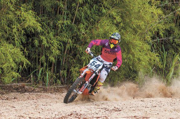 Con entrenamientos, el club El Brete dejó inaugurado su circuito de Motocross