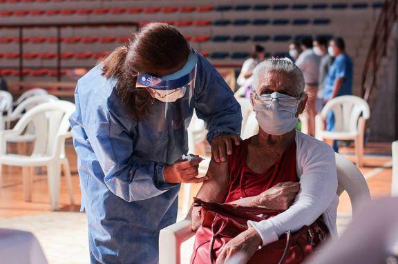 En Garupá hubo sobreturnos y se tuvieron que habilitar más dosis