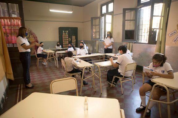 Relevan la cantidad de escuelas que tendrán 100% de presencialidad