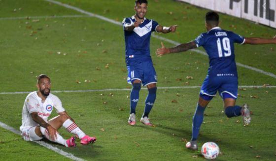 Vélez, con puntaje ideal: le ganó a Argentinos y se mantiene en la cima de su grupo