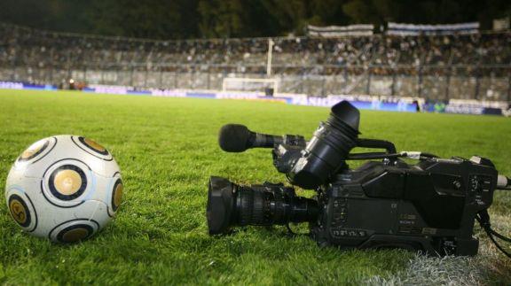 Quiénes relatarán y comentarán los partidos de la Copa de la Liga Profesional por la TV Pública