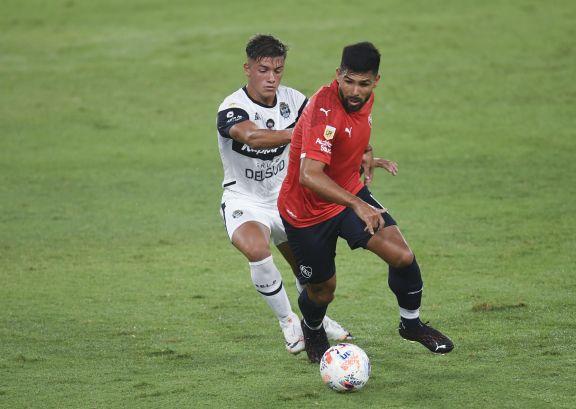 Independiente obtuvo un éxito ajustado ante Gimnasia, que mereció mejor suerte