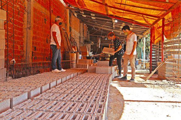 Vecino Sustentable  fabrica ecobloques  para construcción
