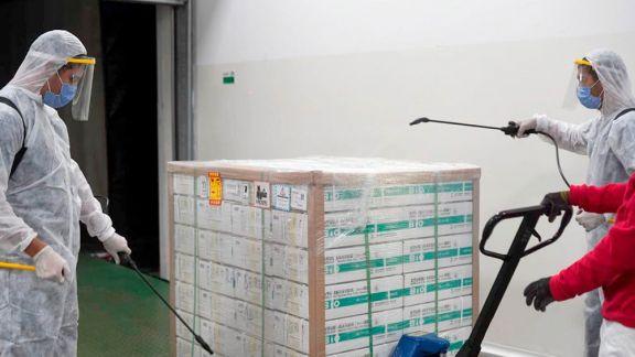 Enviarán dosis chinas a los 77 municipios   de la provincia
