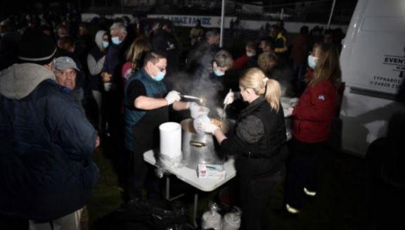 Cientos de personas pasaron la noche en carpas por un nuevo sismo en Grecia
