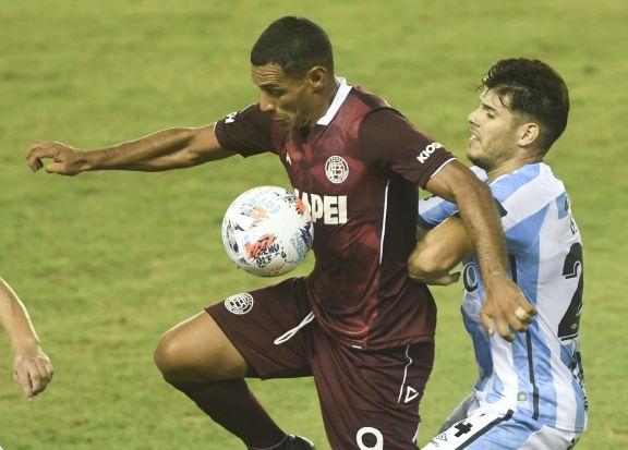 Lanús le ganó a Atlético Tucumán y alcanzó a Vélez en la punta