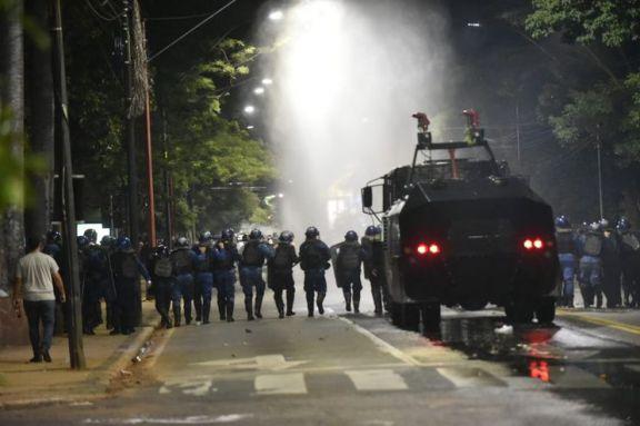 El presidente de Paraguay reformó su gabinete tras protestas con violencia y represión