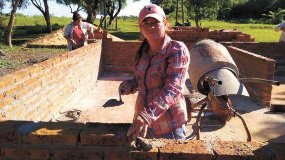 Construir un futuro mejor, el anhelo de las mujeres albañiles