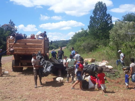 Desalojo en San Pedro dejó a unas 40 familias acampando en la banquina de la ruta 14