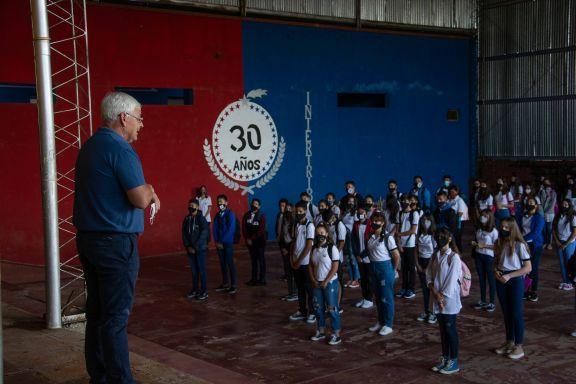 Después de un año virtual, inolvidable regreso a las aulas en colegios de San Javier y Candelaria