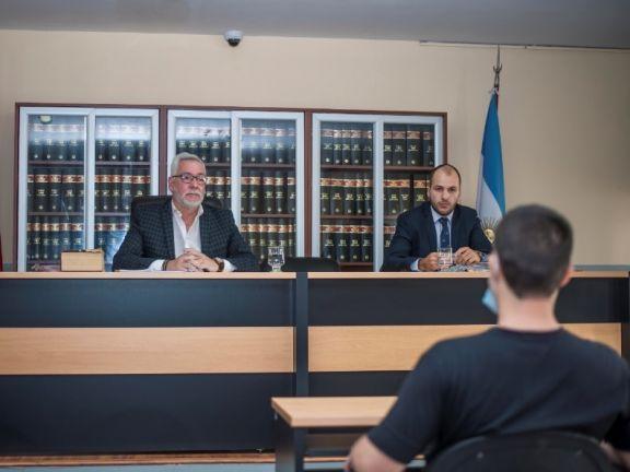 Seredisky ante el juez Cesar Jiménez, antes de los alegatos del juicio. Fotos: Federico Gross.
