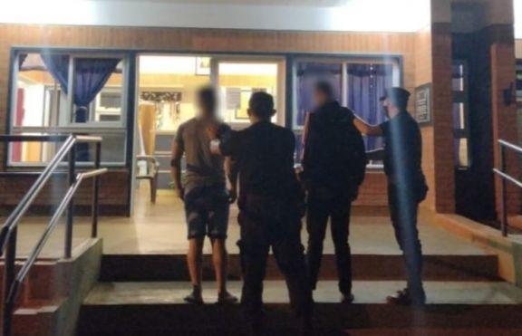 25 de Mayo: detuvieron a dos hermanos que atacaron a golpes a un joven para robarle el celular