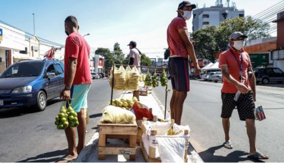 Paraguay analiza nuevas restricciones ante una situación de virtual colapso