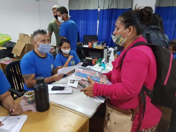Entregaron 3.500 Kits escolares a familias carenciadas de Iguazú