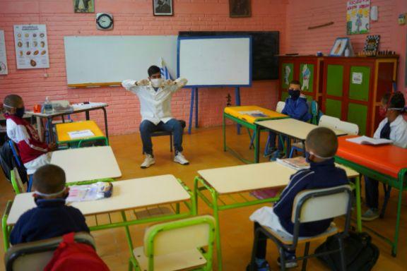 Por rebrote de casos, desde hoy no es obligatoria la asistencia presencial a clases en Uruguay