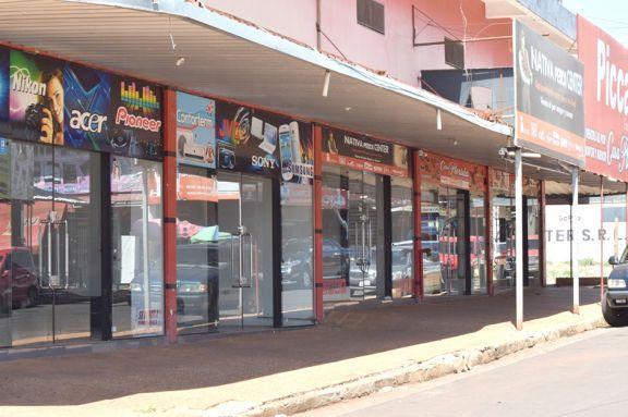 Miles de comercios cerrados en Encarnación por falta de clientes