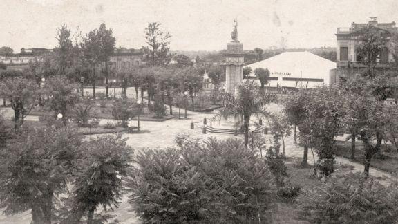 Plaza 9 de Julio: De los 80 naranjos a las polémicas rejas