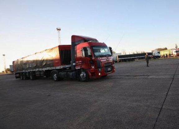 Corrientes: exigirán PCR negativo a camioneros en puestos de frontera