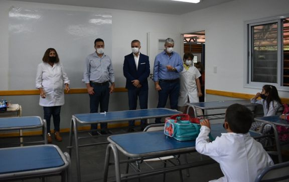 Dejan oficialmente inaugurada la primera escuela modular de Misiones