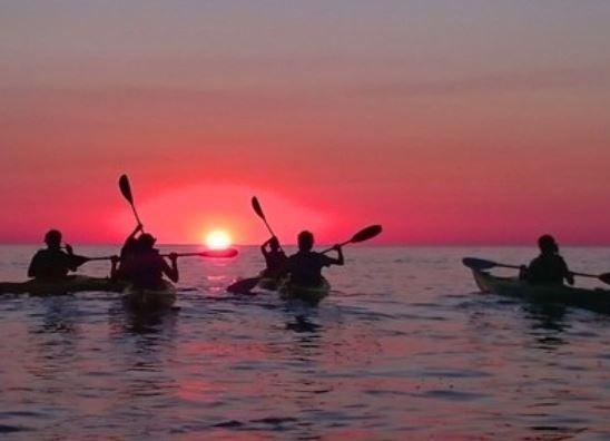 """Apóstoles: se realizará el """"Paseo de Luna Llena en Kayak"""" sobre el arroyo Chimiray"""