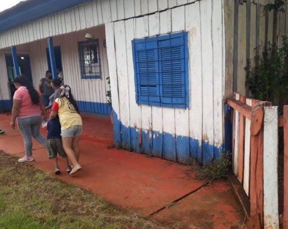 Pozo Azul: ante el deterioro, padres piden nuevo edificio escolar