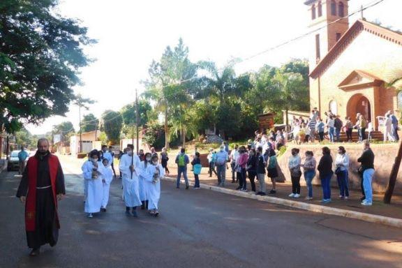 Vía Crucis por los distintos barrios de Puerto Libertad
