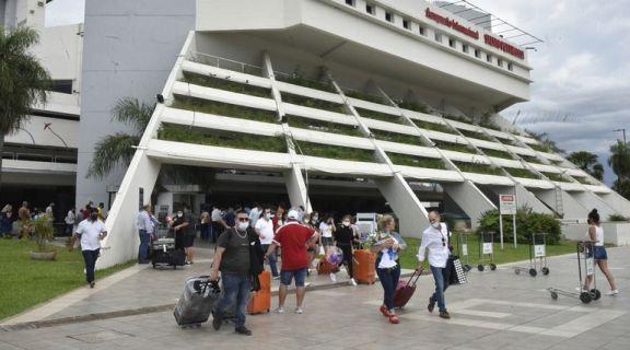 Paraguay relaja algunas medidas pero exige cuarentena a quienes lleguen desde Brasil