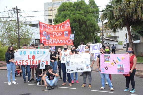 La familia de Fernando Barrios pidió Justicia por la muerte del adolescente