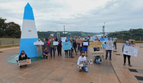 Iguazú: tras 5 días sin agua vecinos se manifiestan frente a IMAS