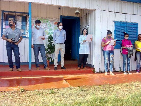 Padres firmaron un acuerdo por la nueva escuela y levantaron el corte de ruta en Pozo Azul
