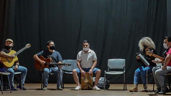 Tras un año de inactividad, la Orquesta Folklórica de la Provincia volvió a los ensayos