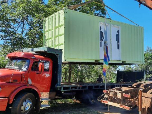 Escuela de San Pedro beneficiada con sanitarios modulares y pozo perforado