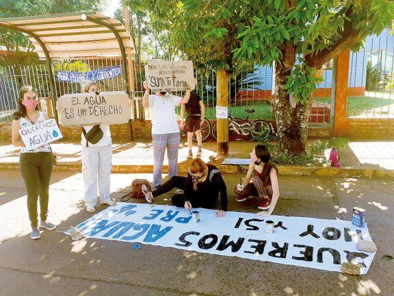 Al menos quince barrios siguen sin agua en Iguazú