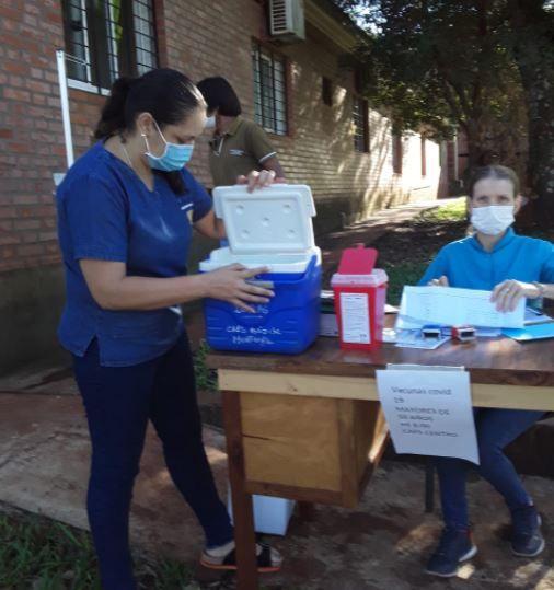 La campaña de vacunación contra el coronavirus continúa en Ruiz de Montoya