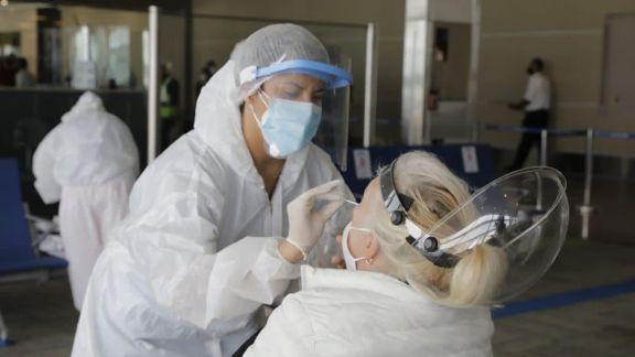 Otras 496 personas murieron y 24.475 fueron reportadas con coronavirus en las últimas 24 horas