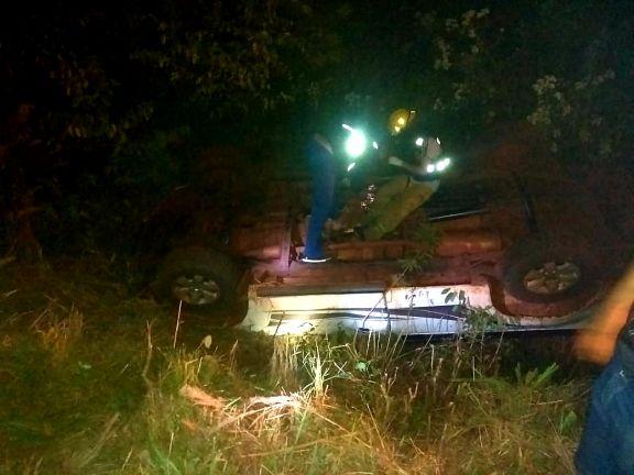 Despistó con su camioneta y cayó a un barranco