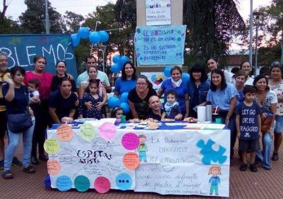 Caminata y concientización sobre autismo en Iguazú