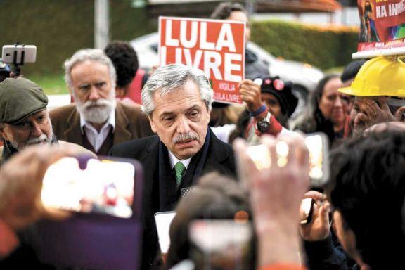 """Fernández advirtió que """"pretende reiniciarse la persecución"""" a Lula"""