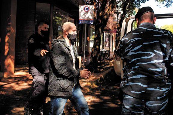 Policía irá 16 años a prisión por atacar a su ex y al abogado