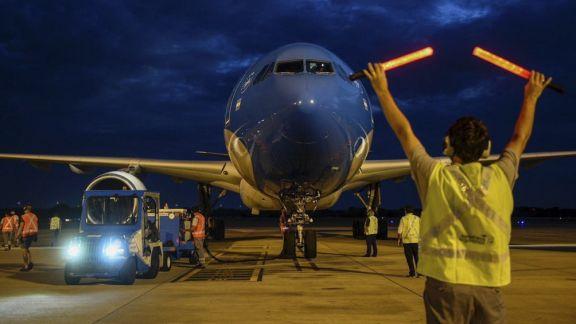 Parte un nuevo vuelo de Aerolíneas a Moscú para buscar más dosis de Sputnik V