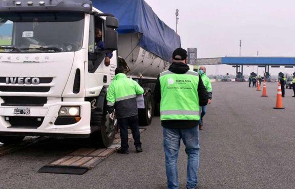 Transportes demoran en entregar cargas por conflictos y más controles