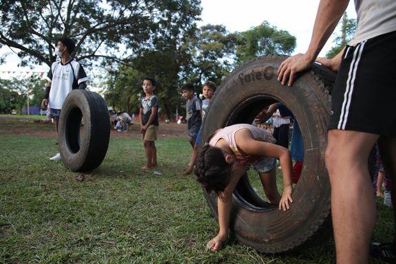 Arrancó el Festival de Acróbatas Libres con gira por los barrios