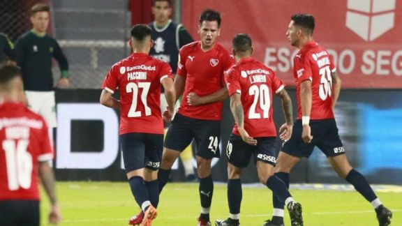Independiente aprovechó al final el cansancio de Defensa y Justicia para volver a ganar